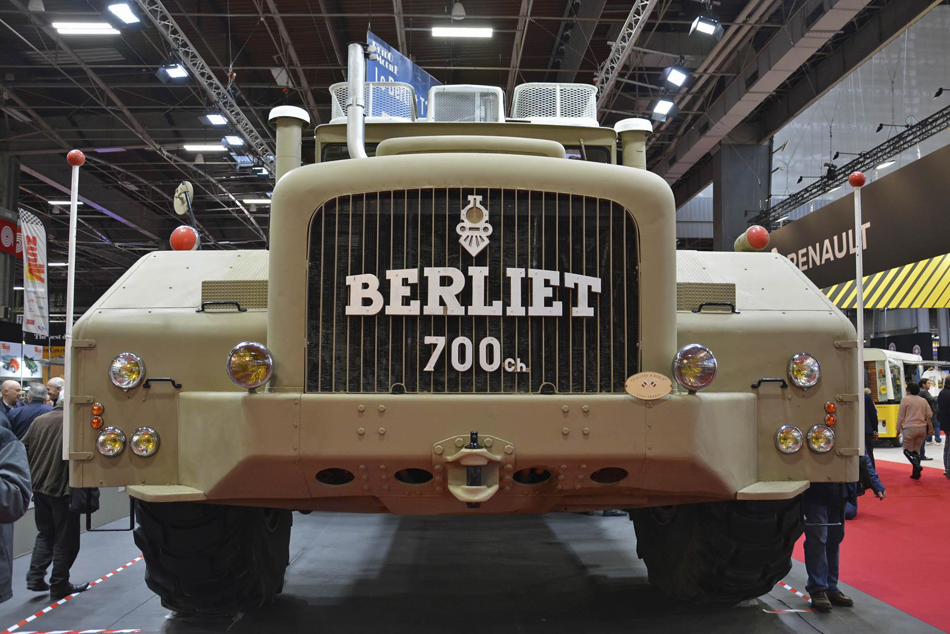 Berliet T100 grille