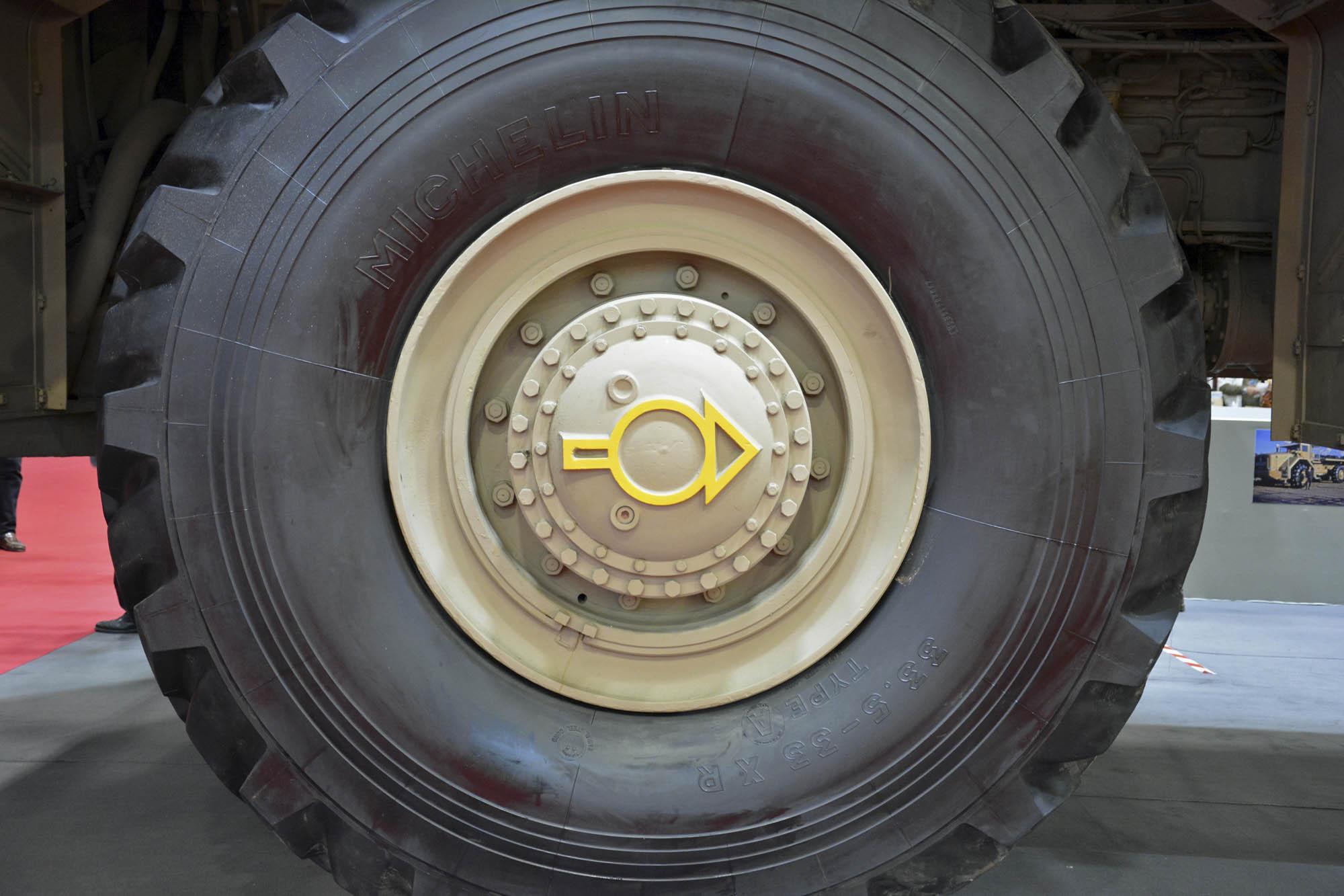 Berliet T100 wheel