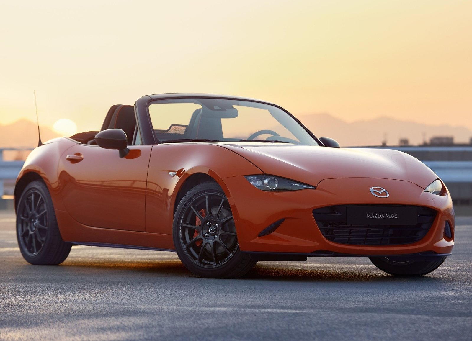 2019 Mazda MX-5 Miata 30th Anniversary Edition 3/4 front