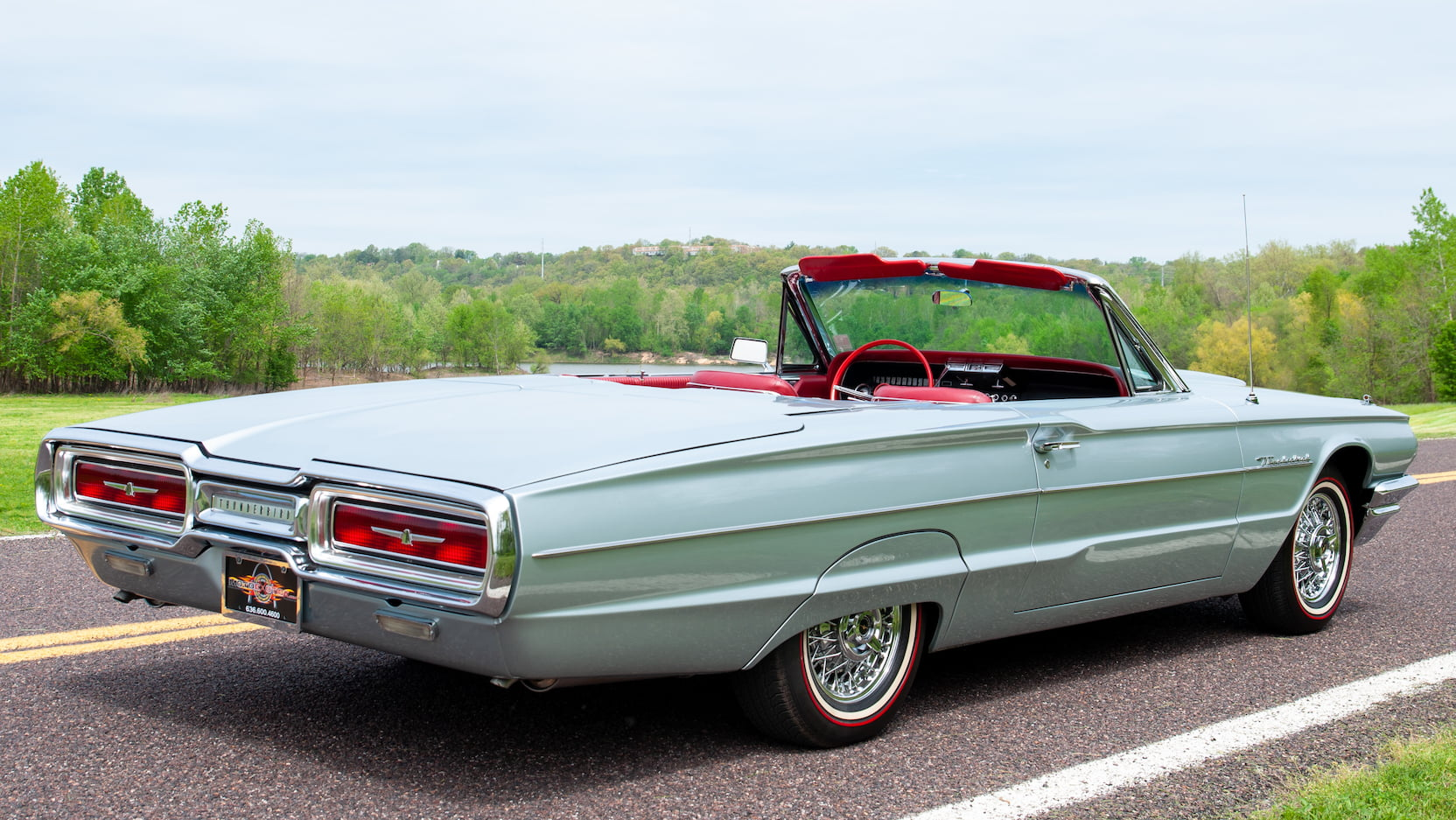 1964 Ford Thunderbird rear 3/4