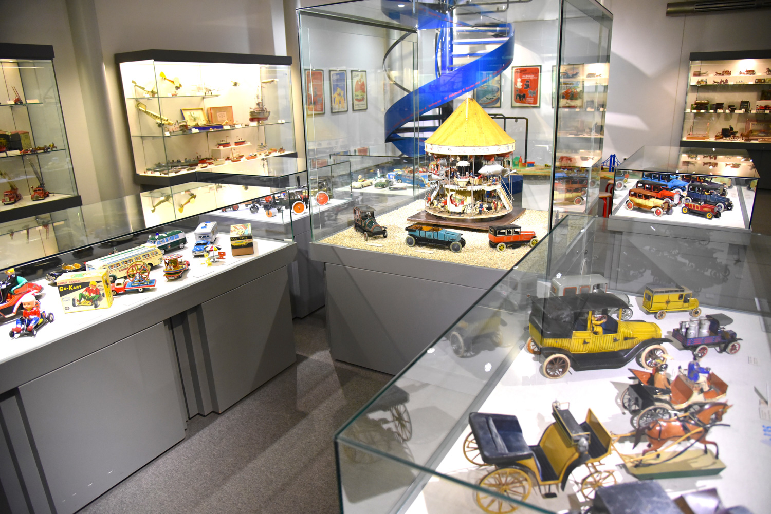 The museum opened in 1971 and is built around a private collection of some 12,000 toys owned by the late Lydia and Paul Bayer.