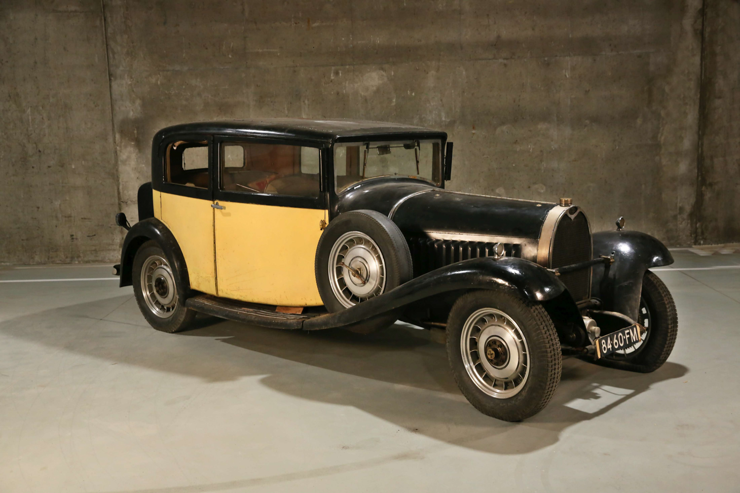 1932 Bugatti Type 49 Berline 2/4-door by Vanvooren