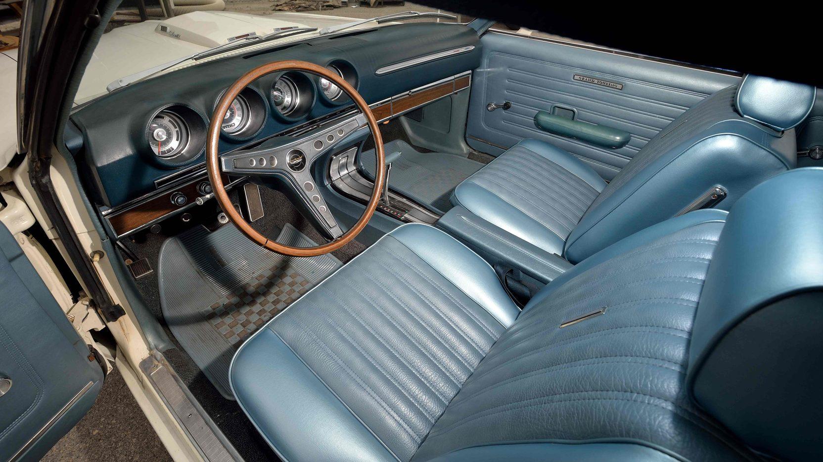1969 Ford Torino GT interior