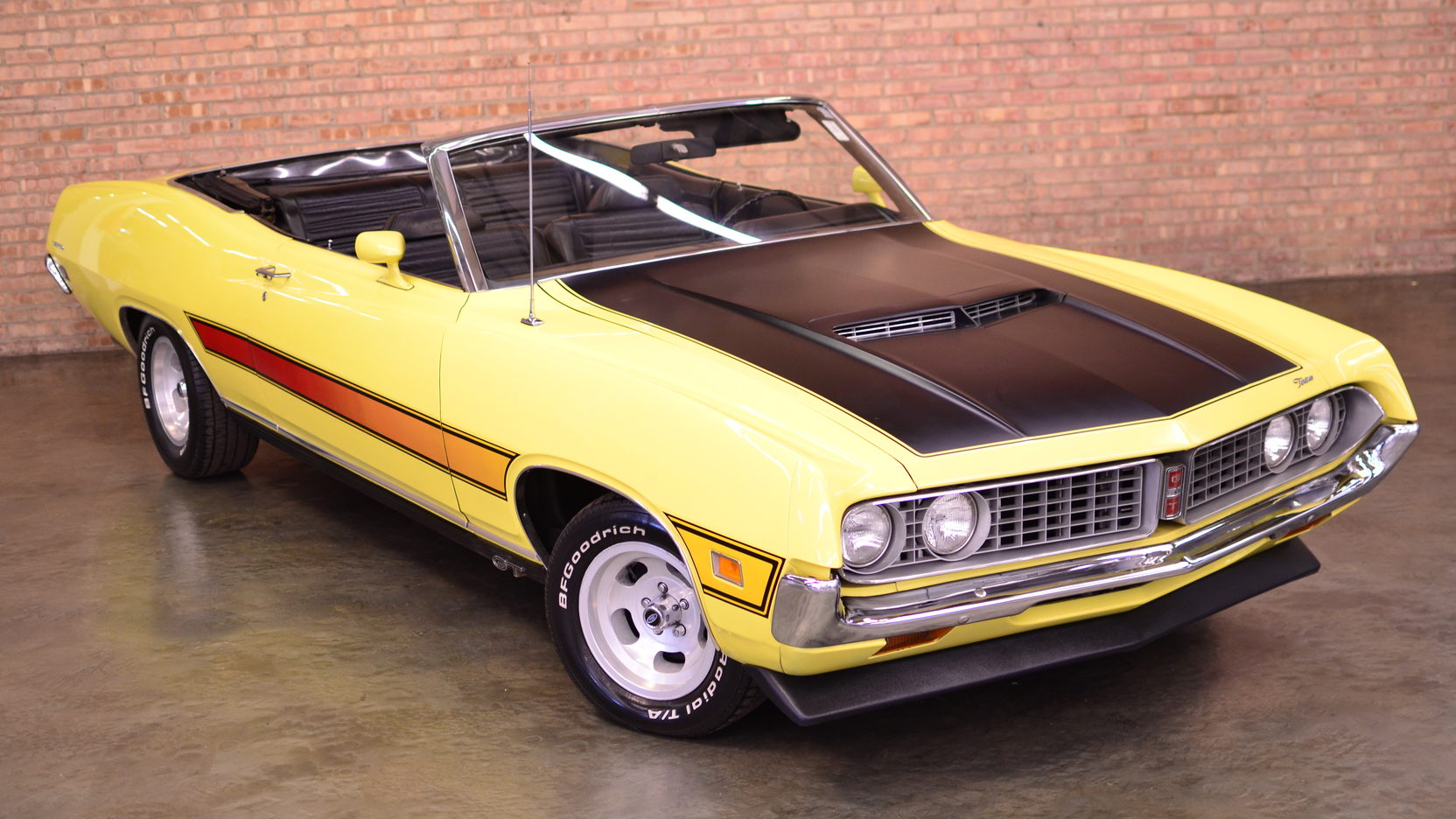1971 Ford Torino GT front 3/4