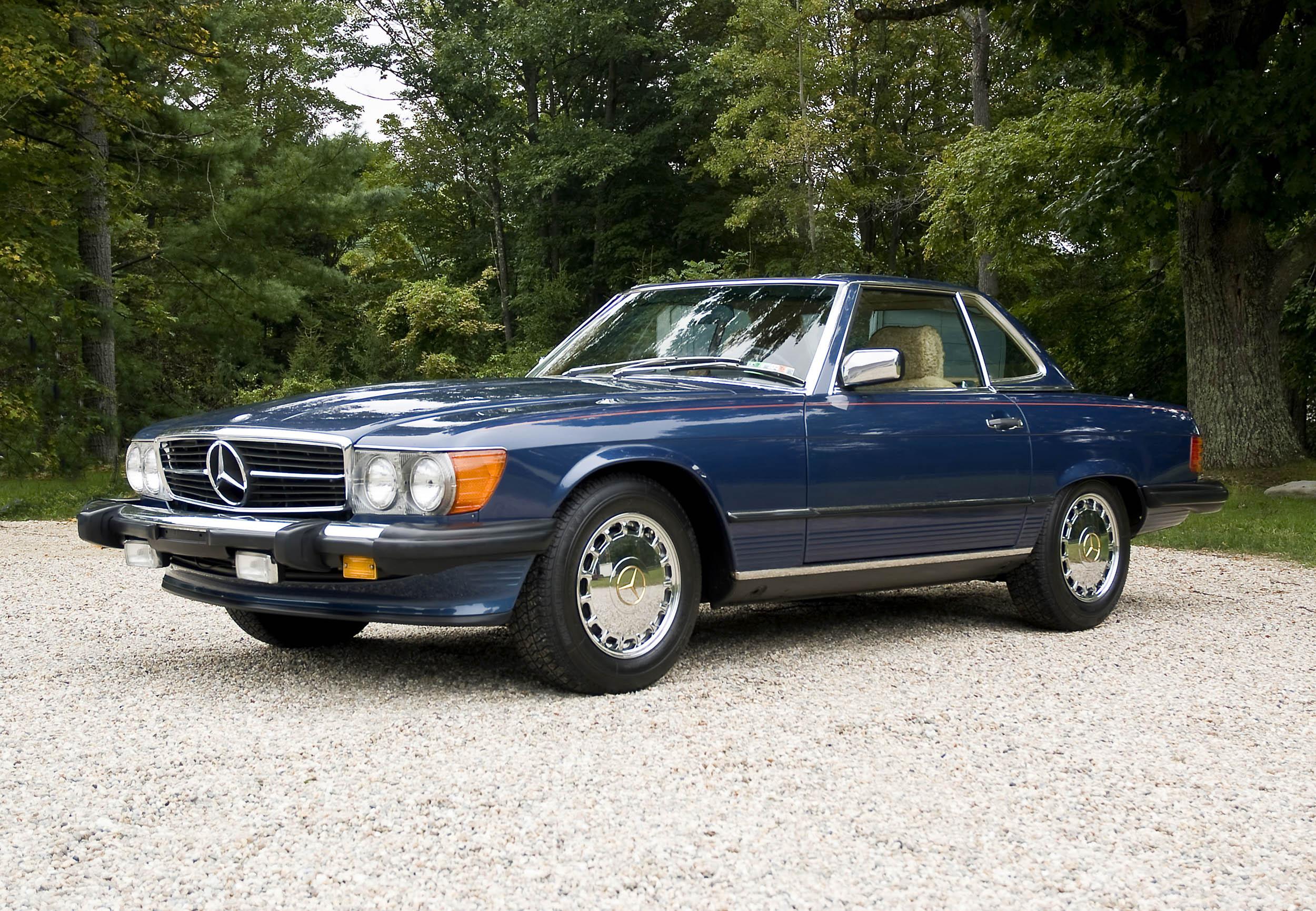 1986 Mercedes-Benz 560 SL front 3/4