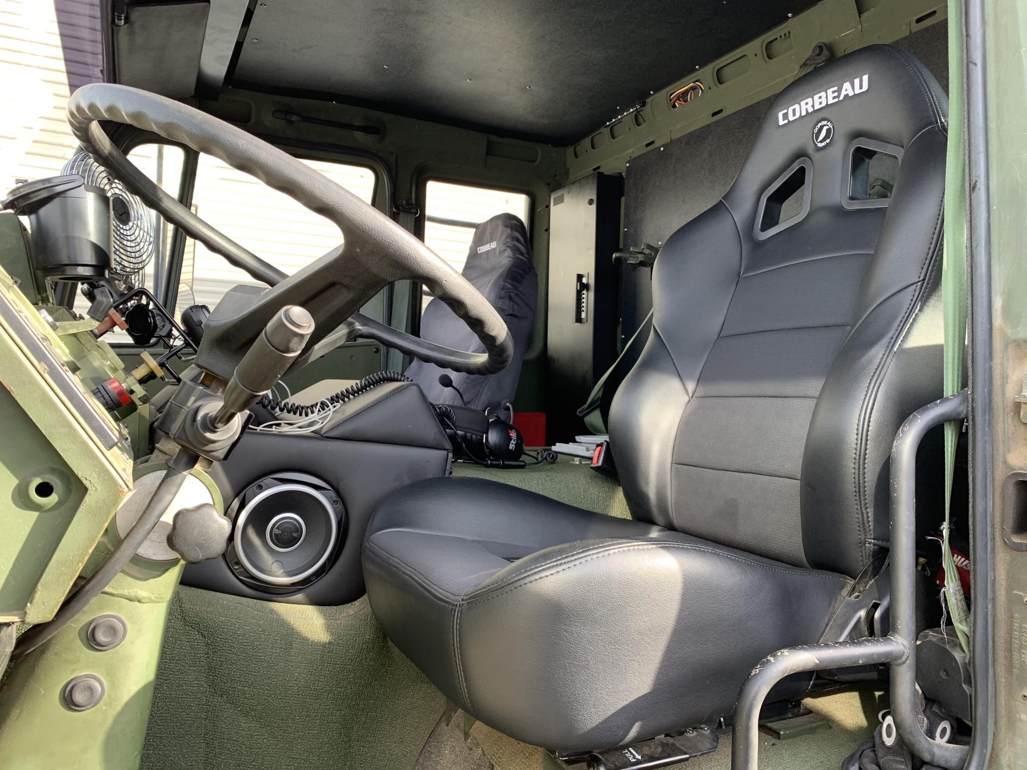 1998 Stewart & Stevenson LMTV M1078 interior