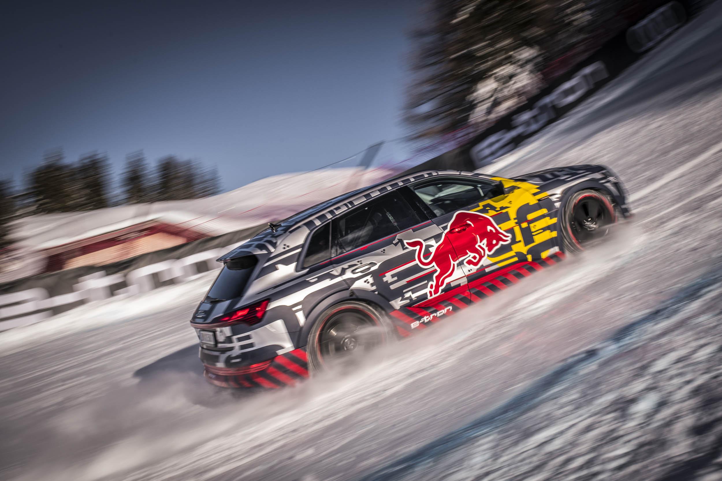 Audi e-tron extreme driving