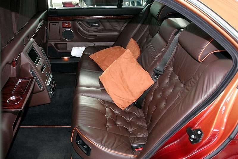 2000 BMW L7 limo back seat
