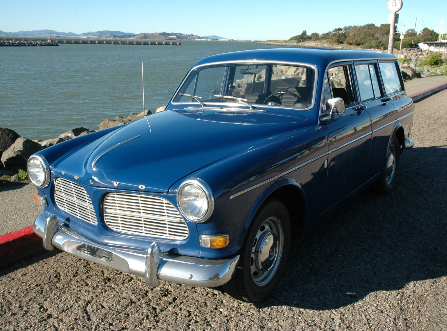 1967 Volvo 122S Wagon front 3/4