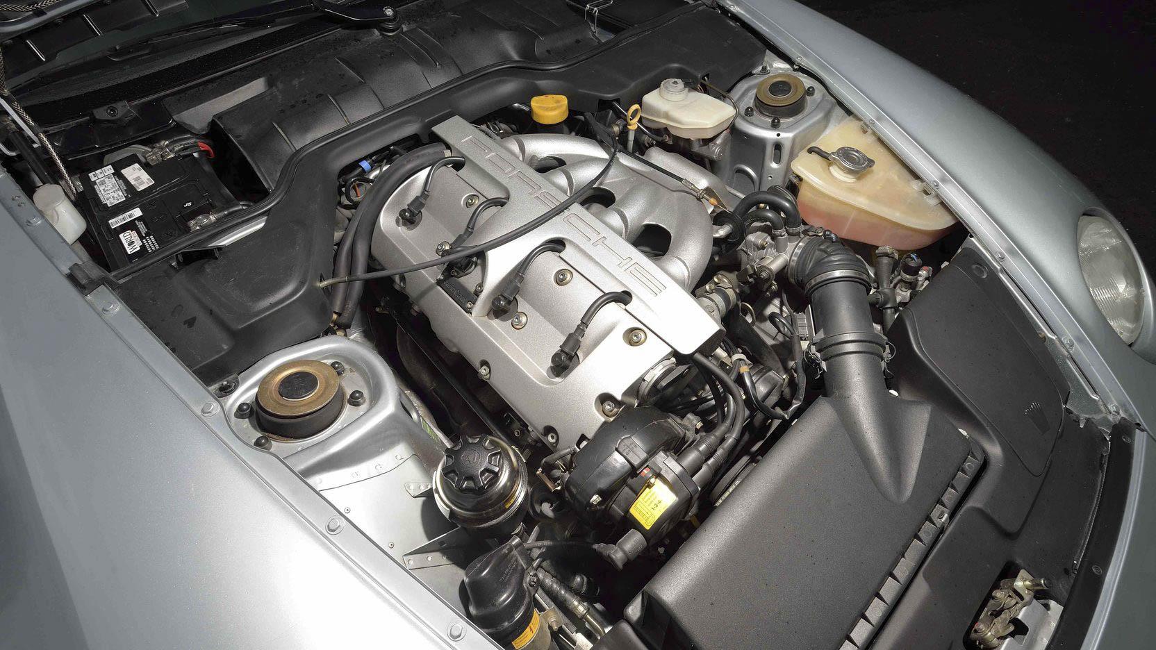 1992 Porsche 968 engine