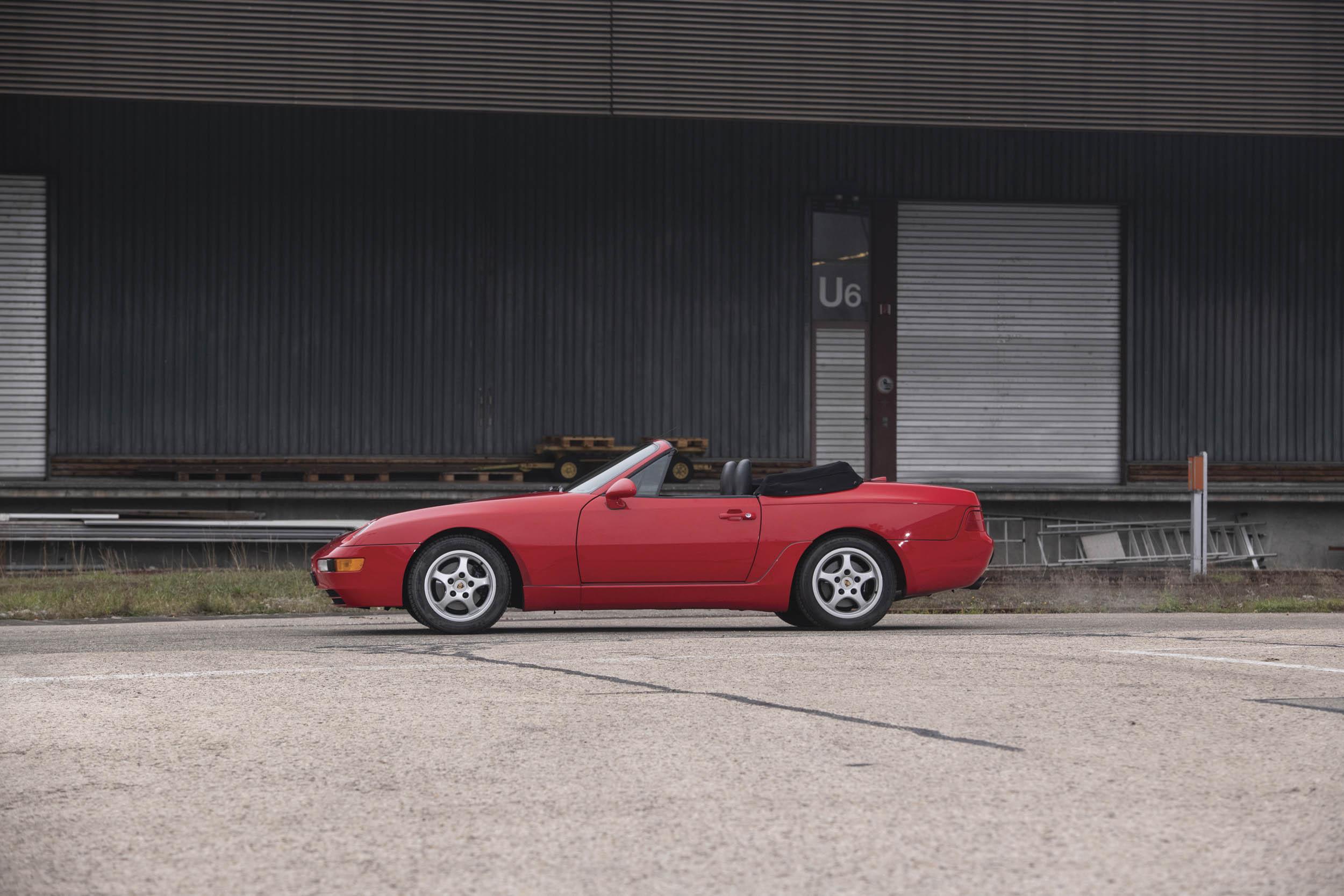 1995 Porsche 968 side profile
