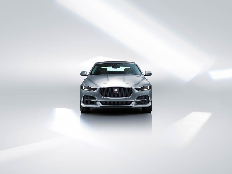 2020 Jaguar XE front