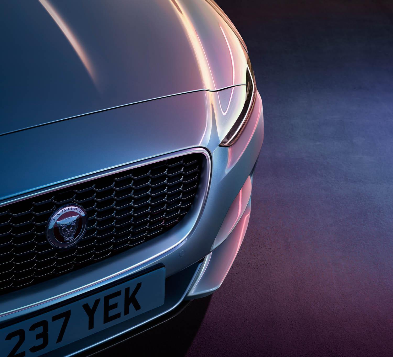 2020 Jaguar XE grille detail