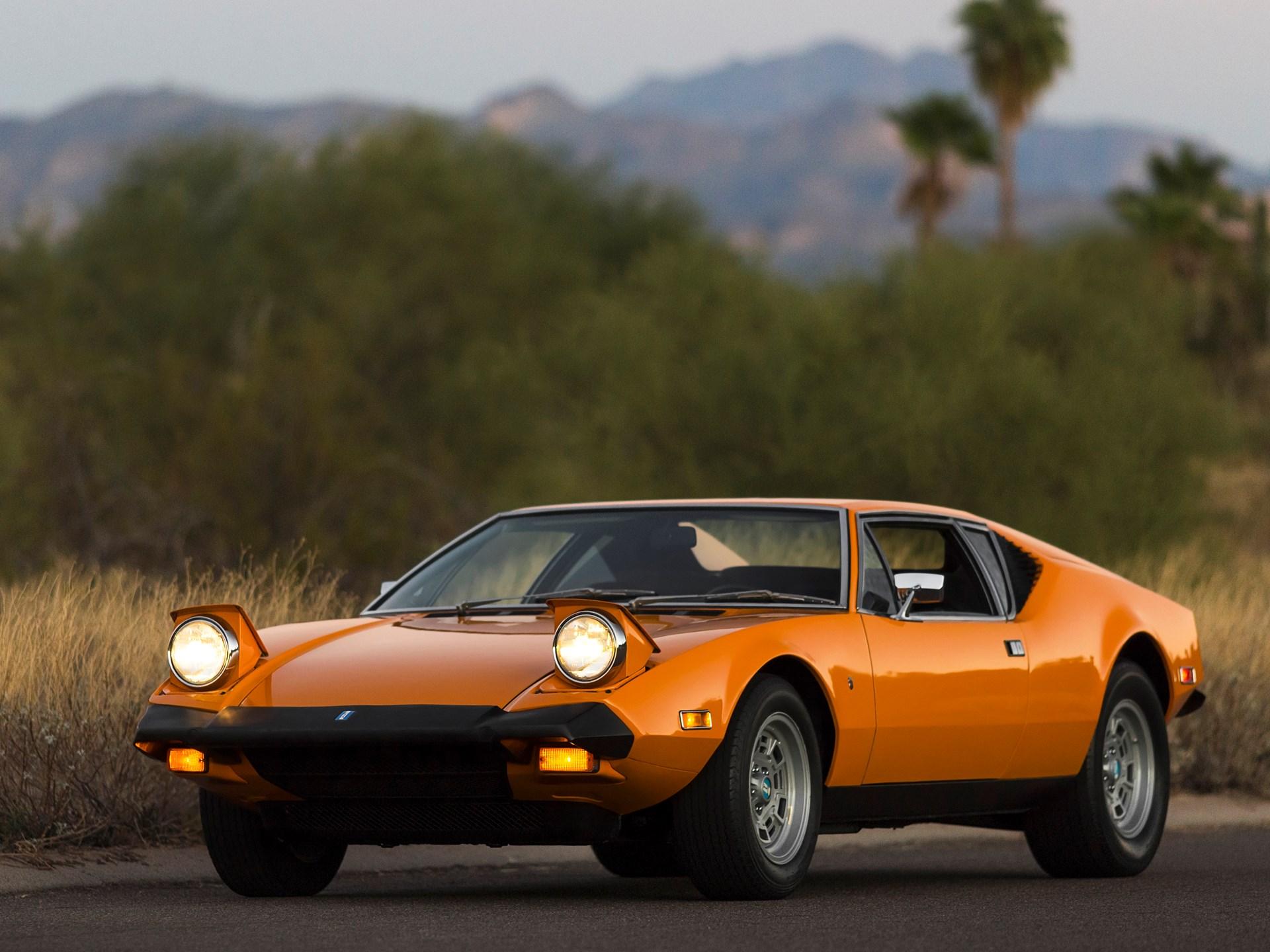 1973 De Tomaso Pantera 3/4 front lights up