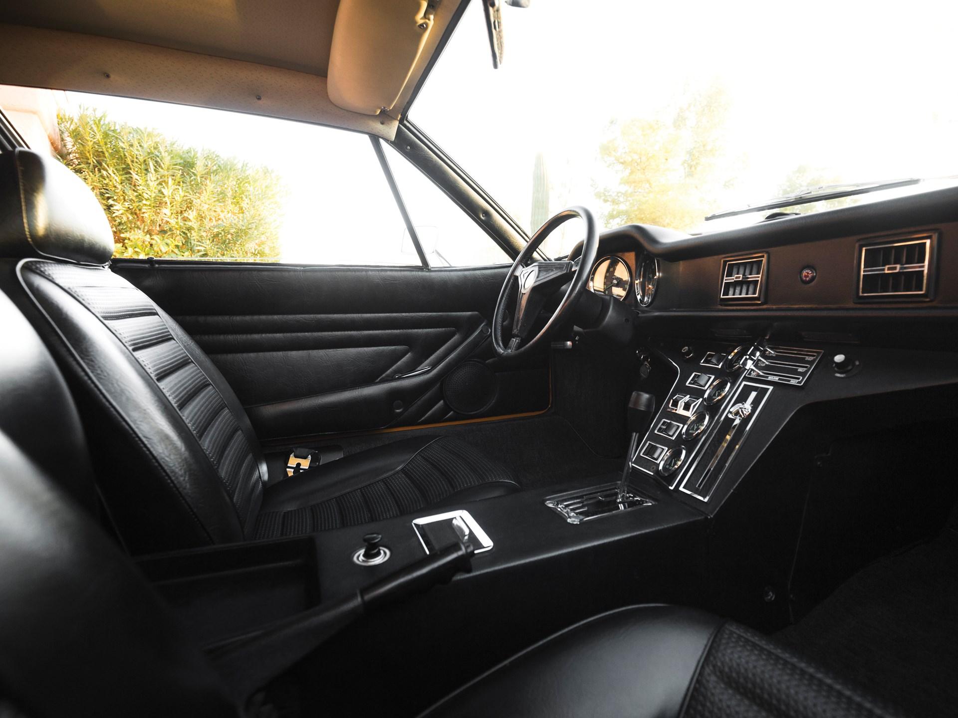 1973 De Tomaso Pantera interior passenger