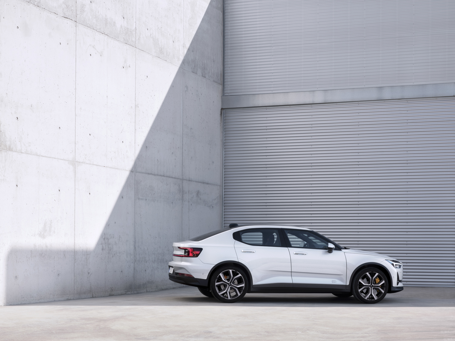 Polestar 2  side profile white