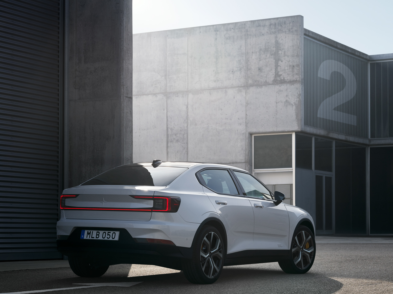 Polestar 2 3/4 rear buildings