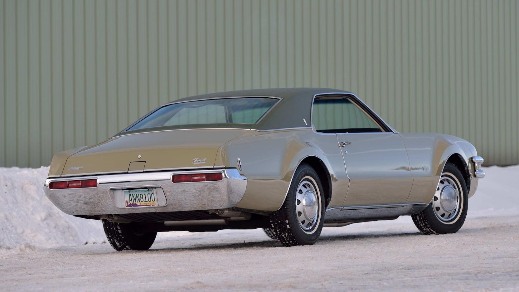 1969 Oldsmobile Toronado rear 3/4