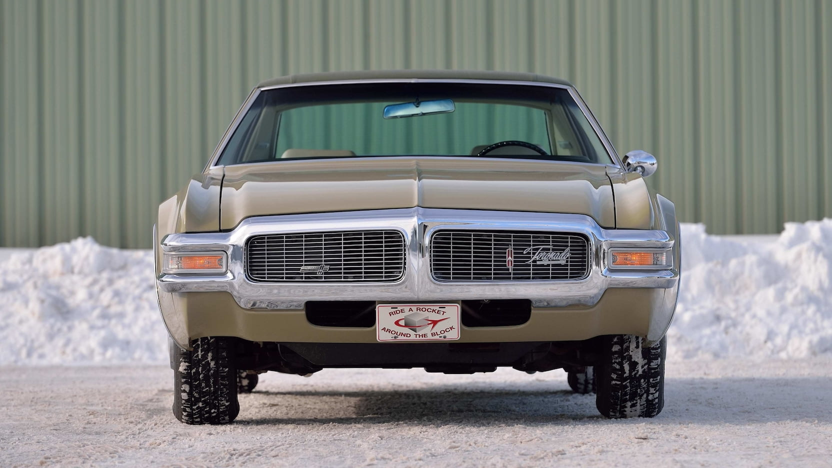 1969 Oldsmobile Toronado front