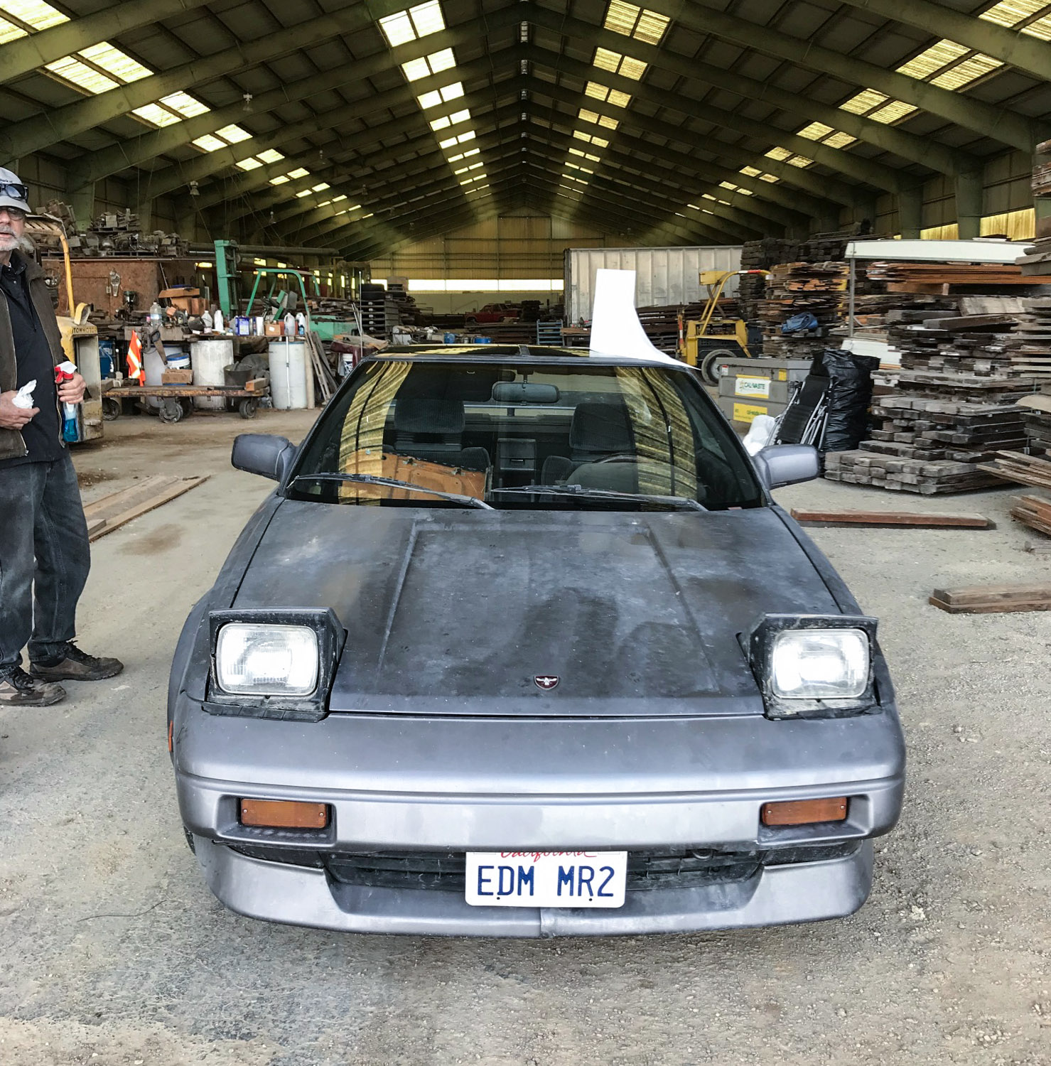 1988 Toyota MR2 front end barn