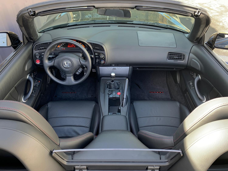 2009 Honda S2000 interior