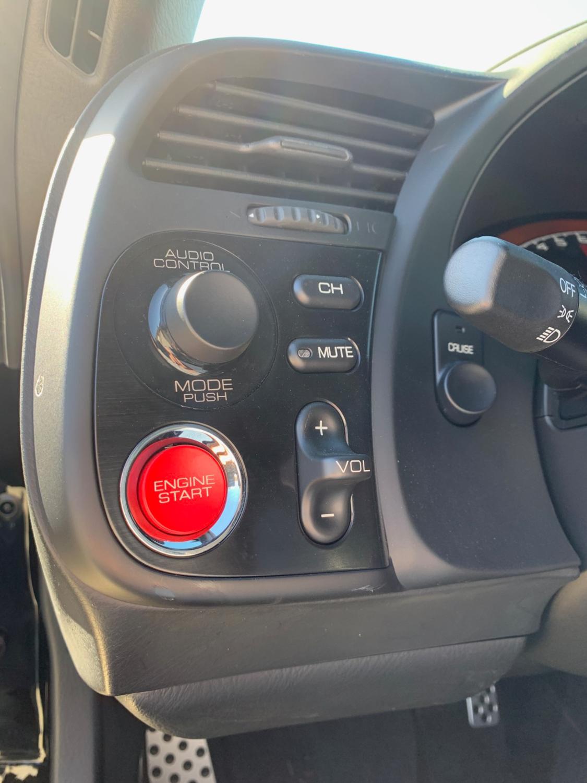 2009 Honda S2000 start button