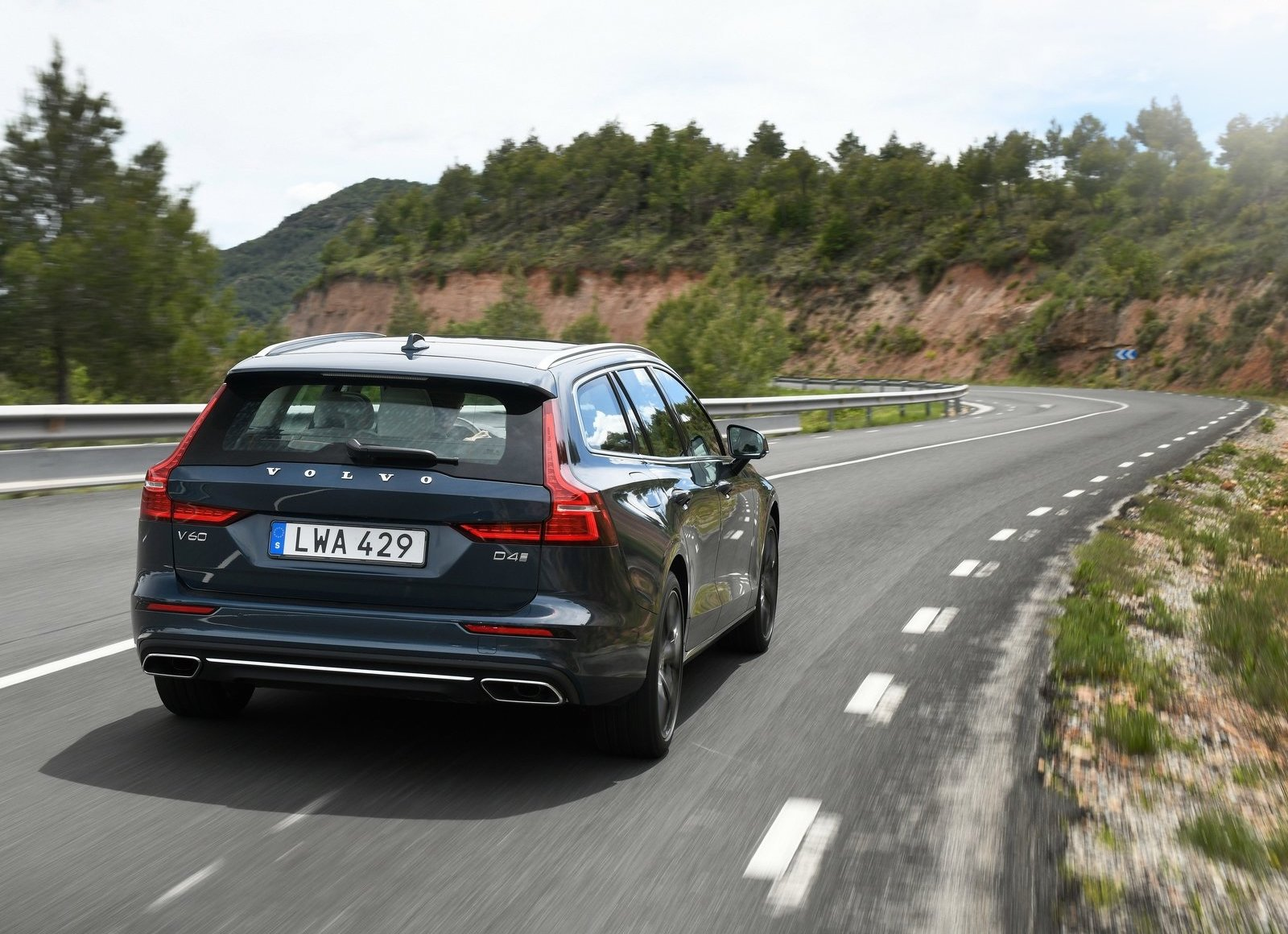 2019 Volvo V60 3/4 rear driving
