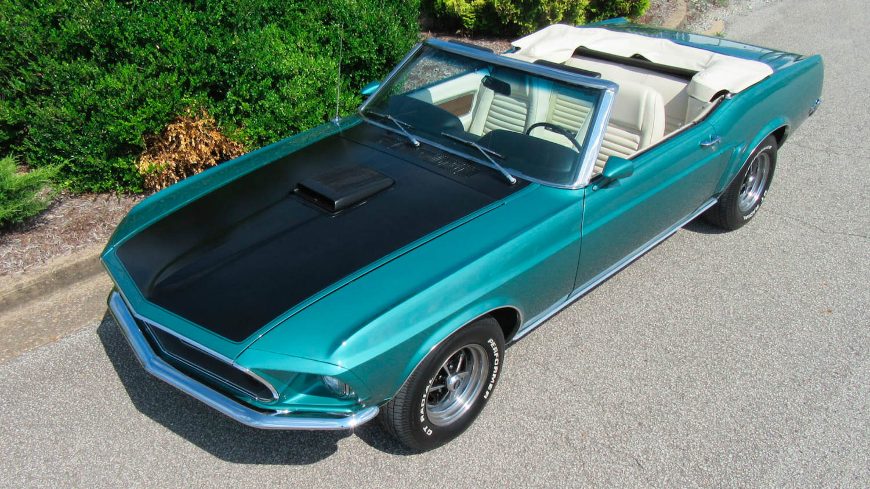 1969 Ford Mustang shaker hood