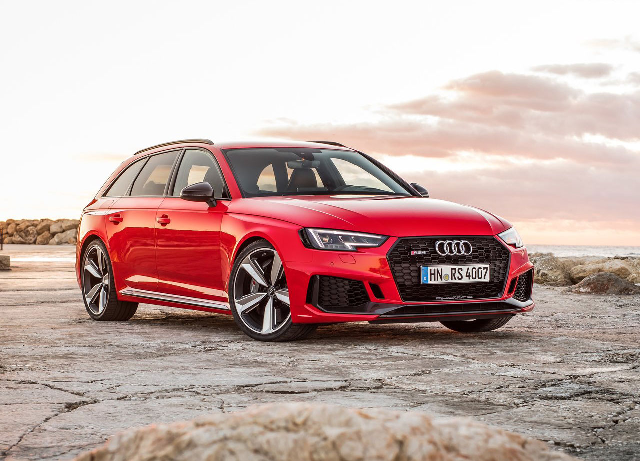 red 2018 Audi RS4 Avant front 3/4