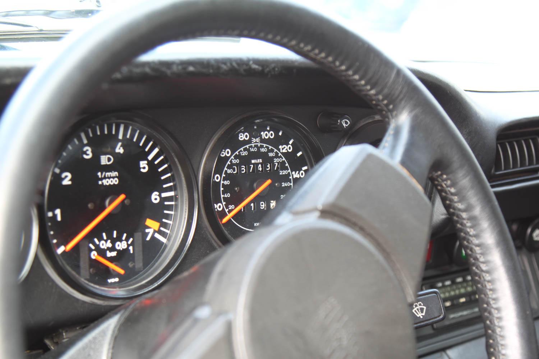 Porsche 930 turbo gauge cluster