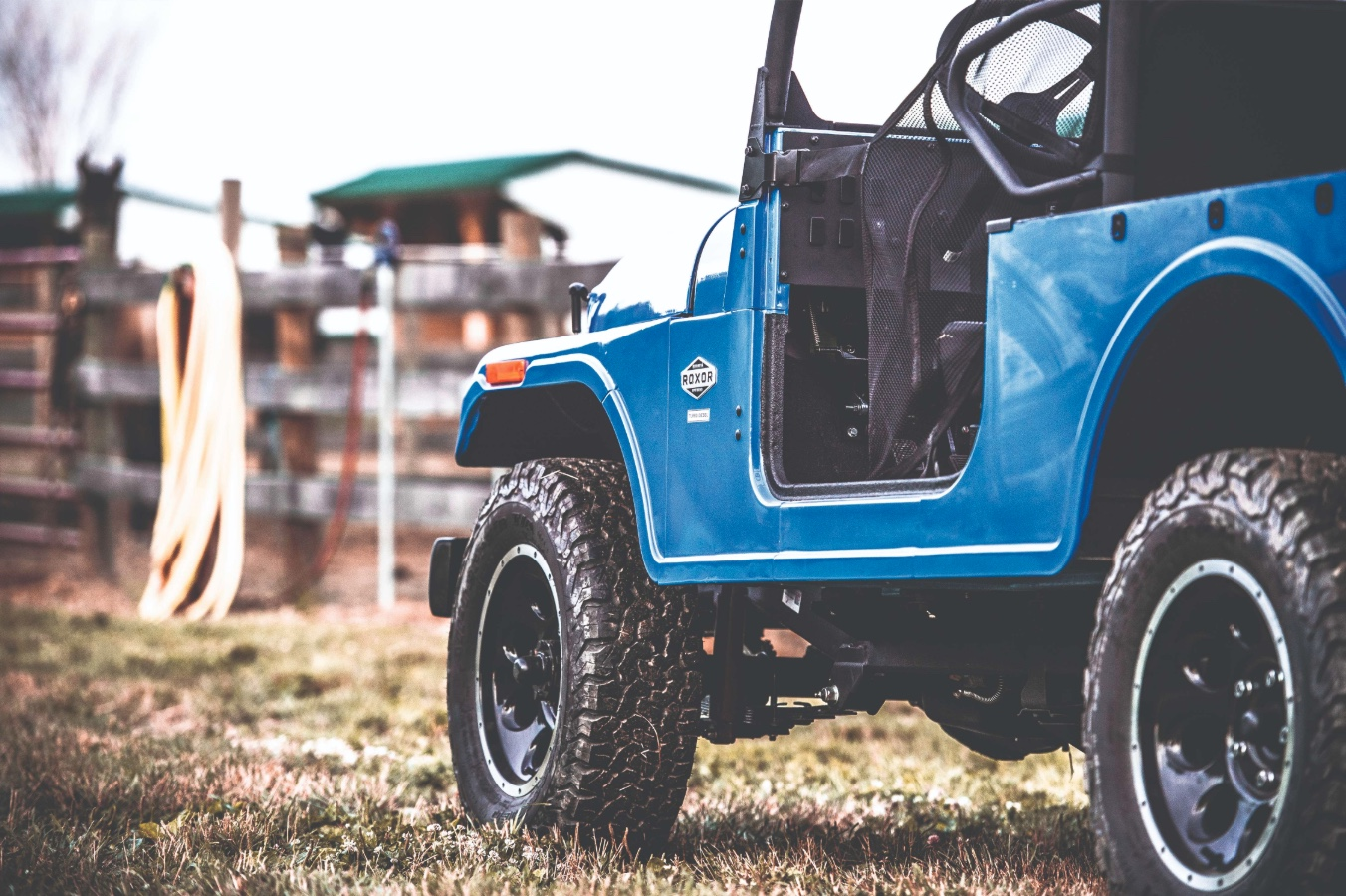 Mahindra Roxor low door