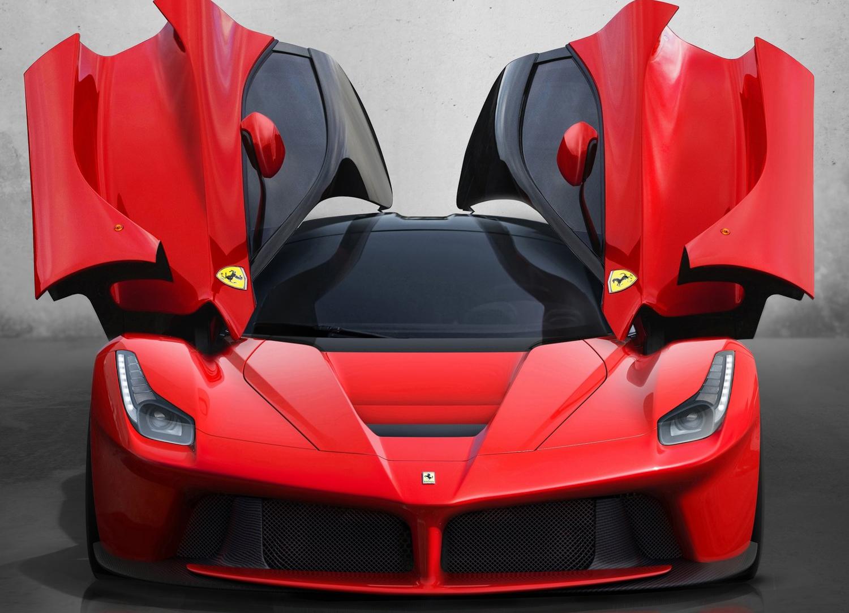 2014 Ferrari LaFerrari side view