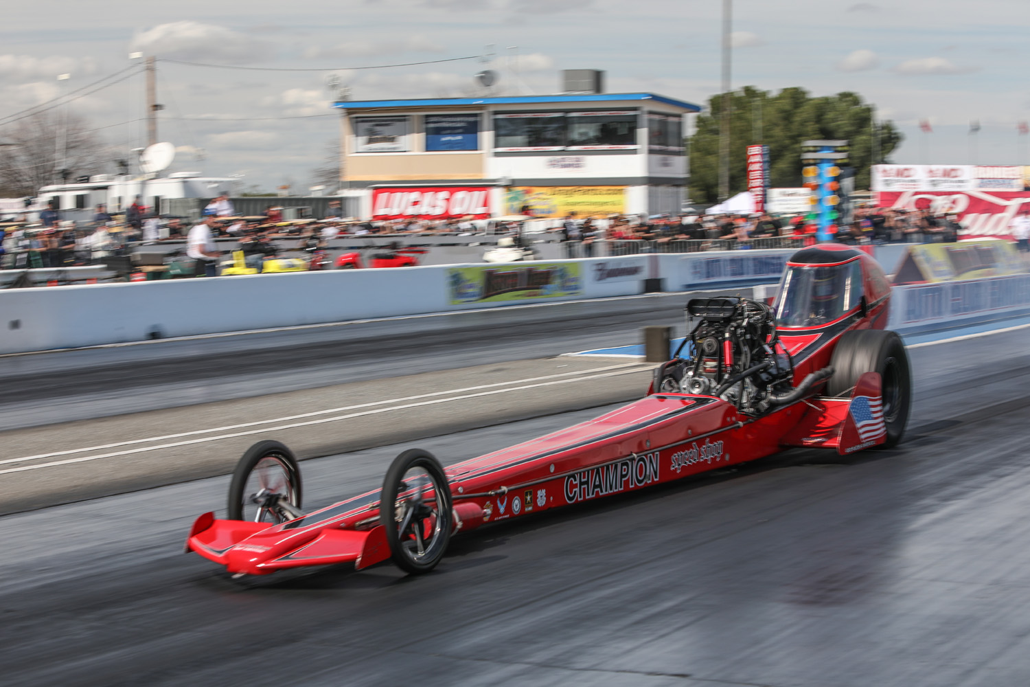 Three ways a nostalgia Top Fuel dragster improves on the past thumbnail