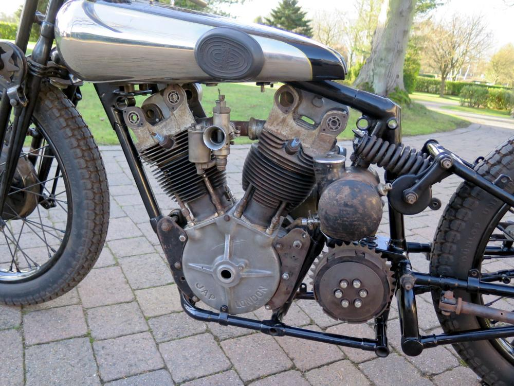 1930 Brough Superior SS100 enigine detile
