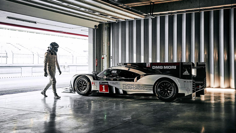 Porsche 919 Hybrid garage