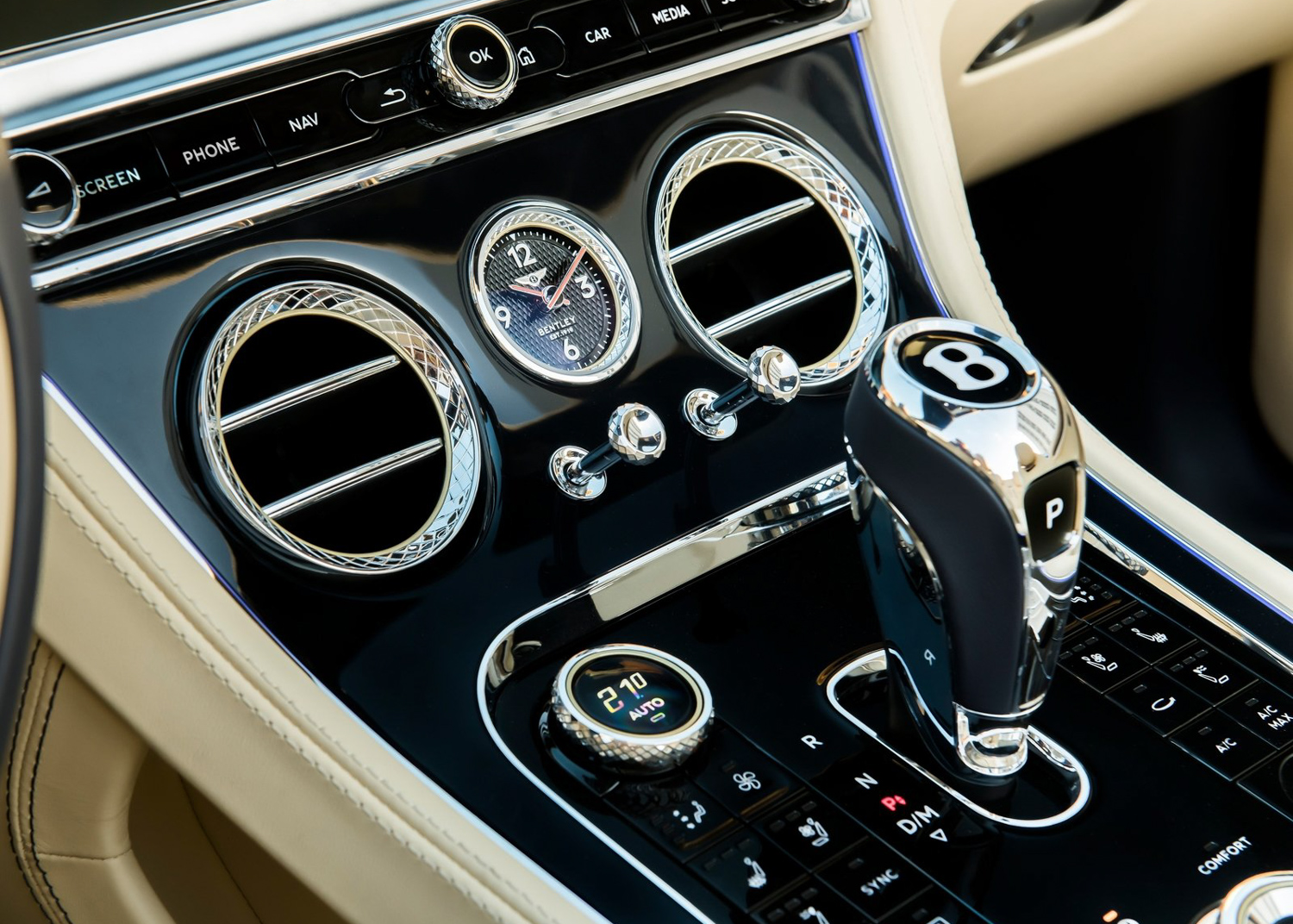 2020 Bentley Continental GT V8 interior gear shift