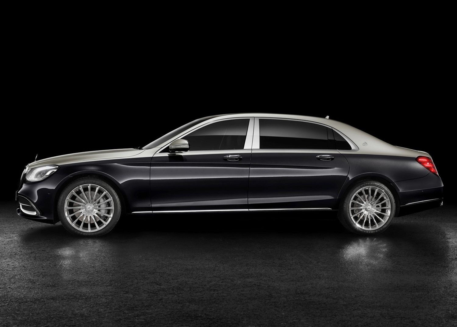 2019 Mercedes-Benz S-Class Maybach side