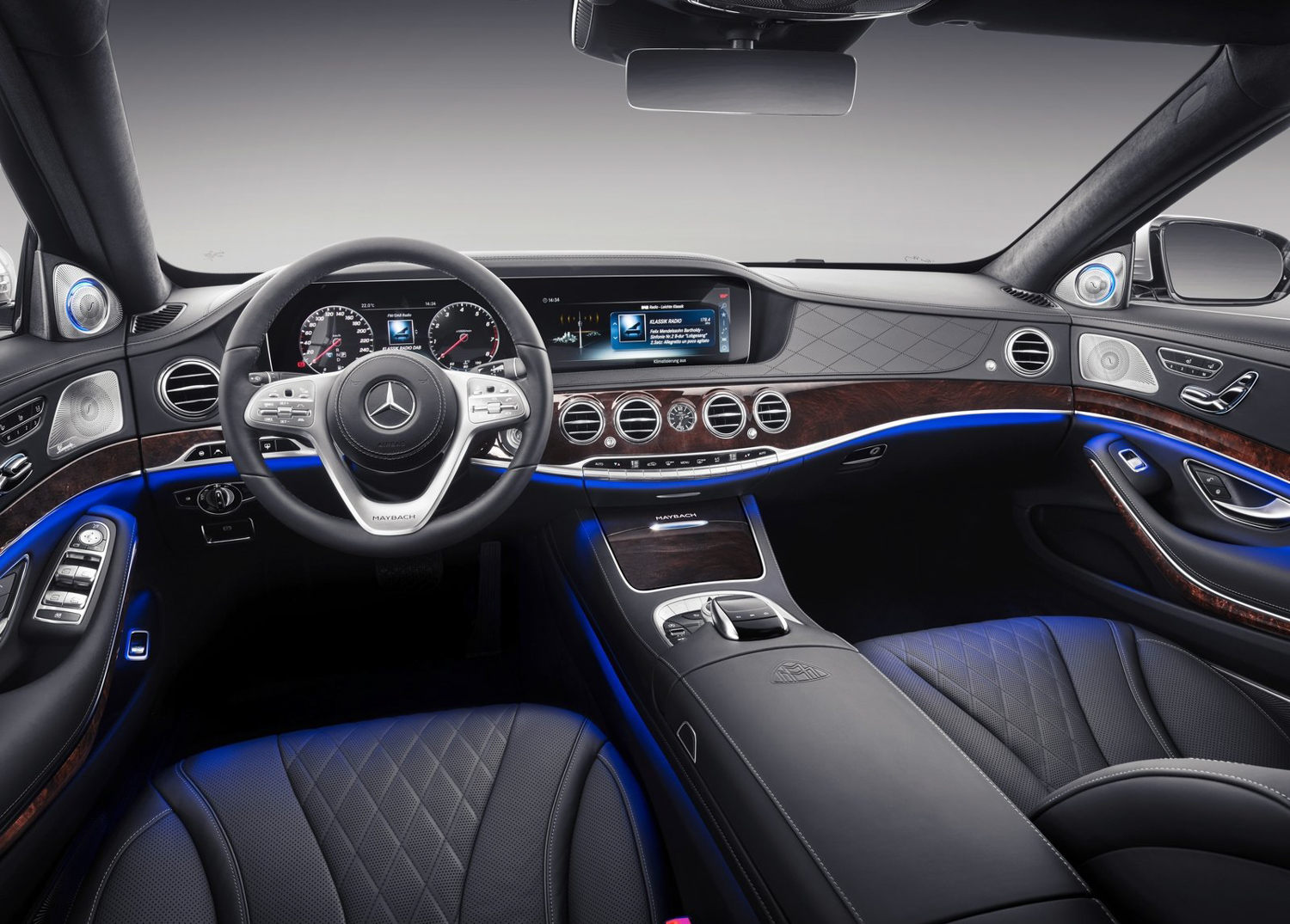 2019 Mercedes-Benz S-Class Maybach interior driver