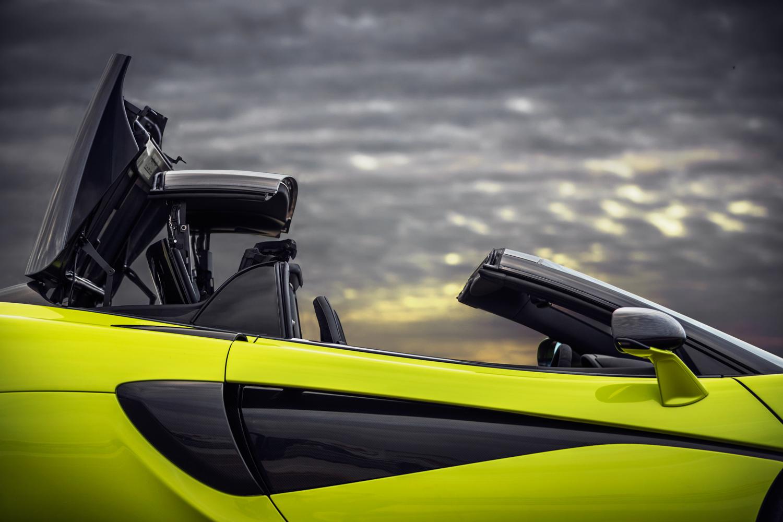 McLaren 600LT Spider retracting roof