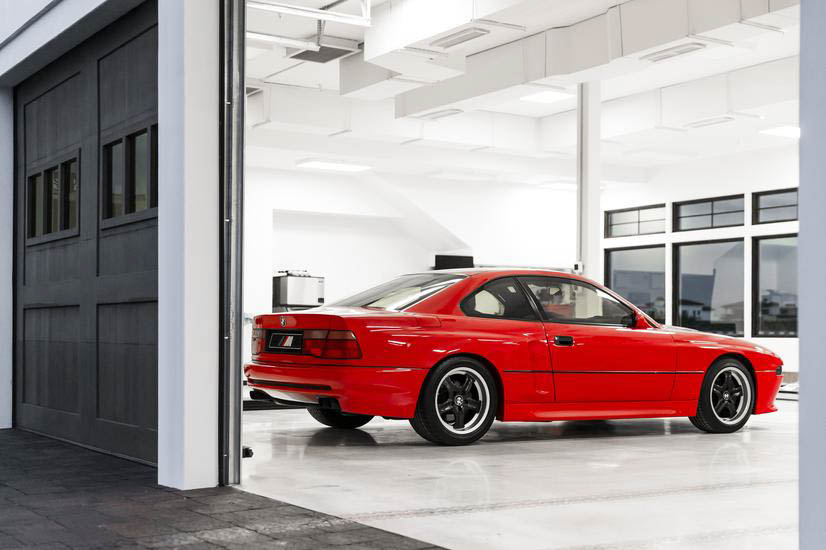 BMW E31 M8 prototype in garage rear 3/4