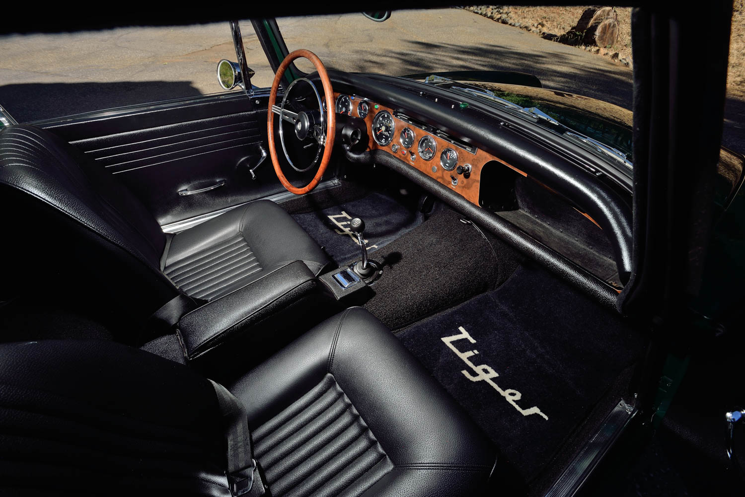1967 Sunbeam Tiger MKII interior