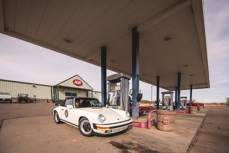 porsche 911 cabriolet pumping fuel