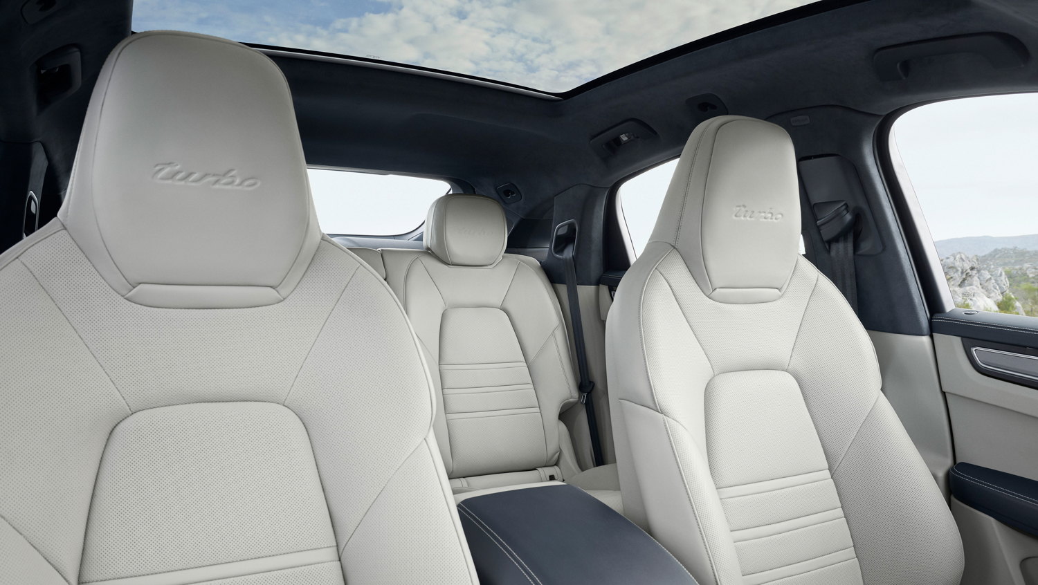 Porsche Cayenne Coupé interior seats