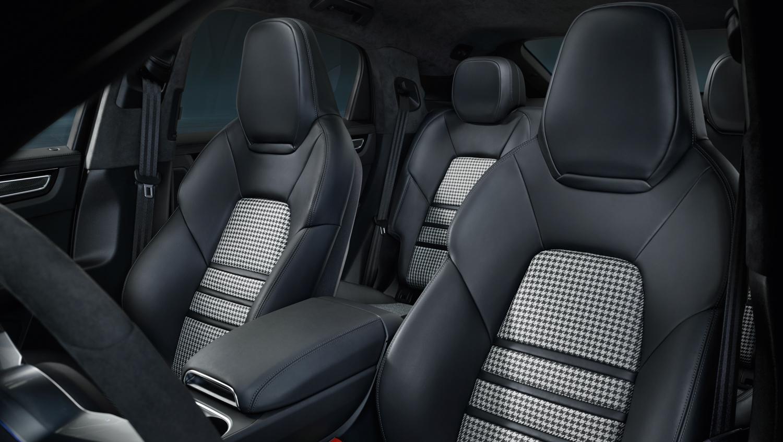 Porsche Cayenne Coupé houndstooth interior