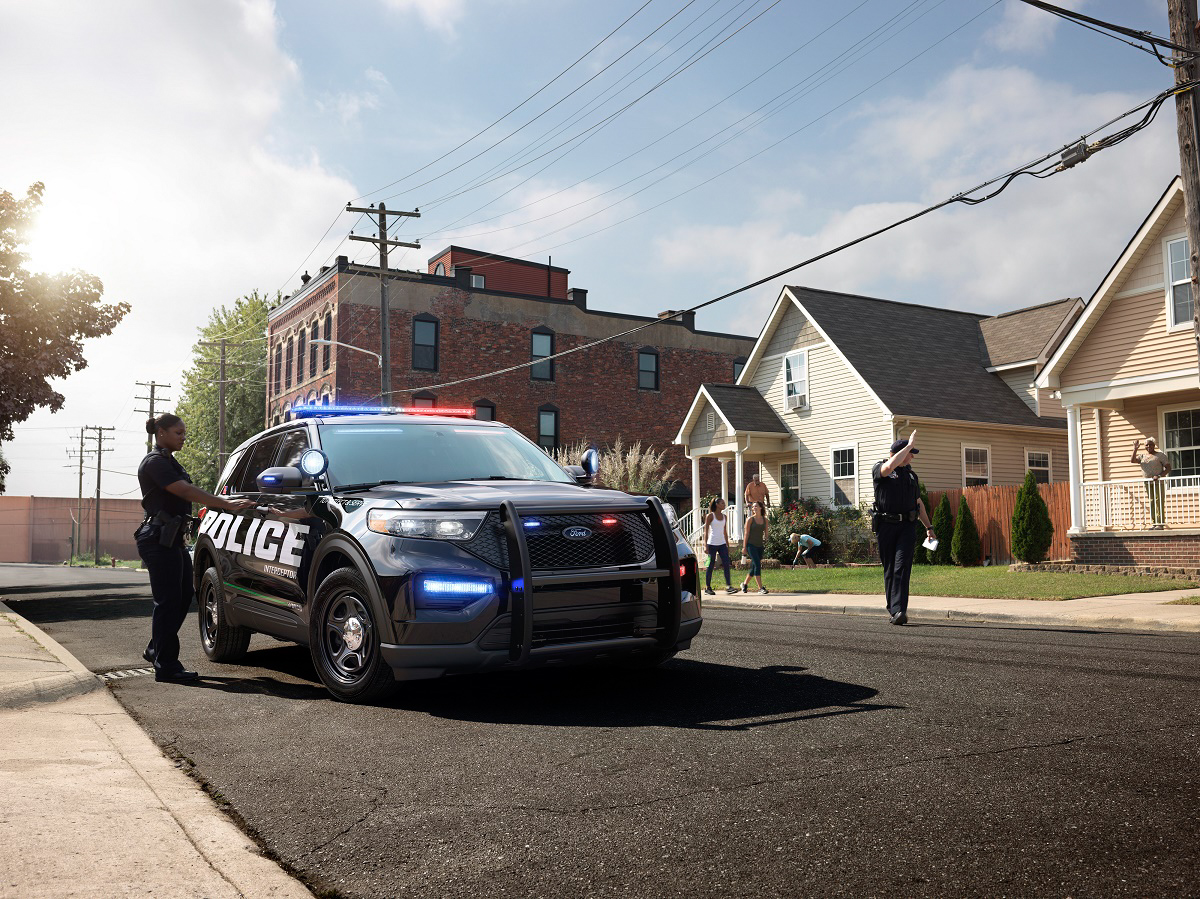 2020 Ford Police Interceptor Utility Hybrid neighborhood