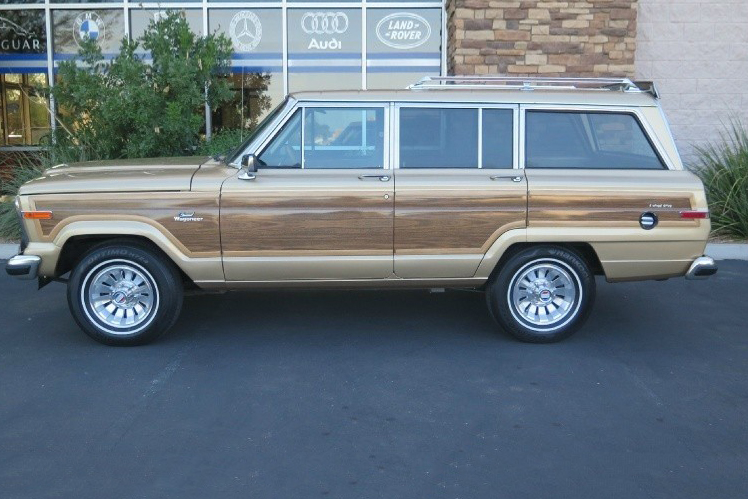 1984 Jeep Grand Wagoneer side
