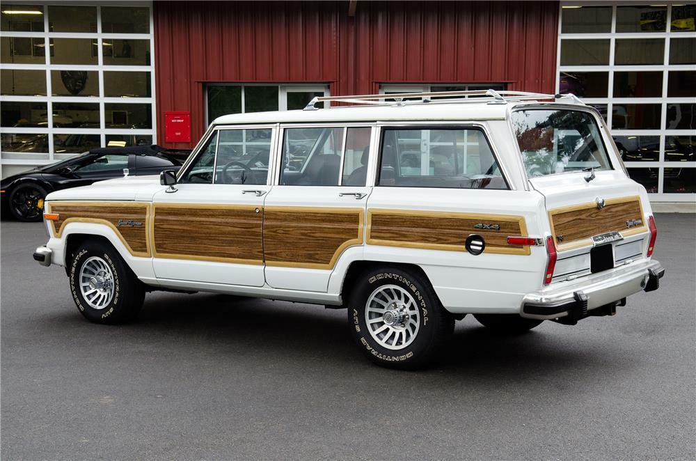 1989 Jeep Grand Wagoneer 3/4 rear