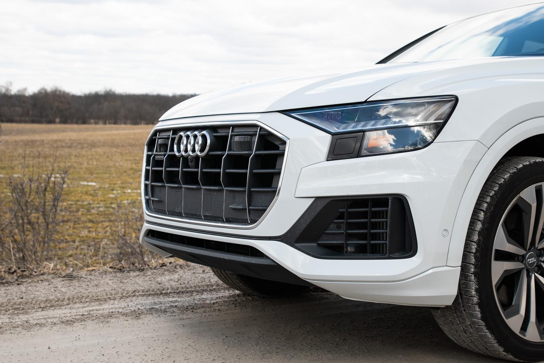 2020 Audi Q8 front grille detail