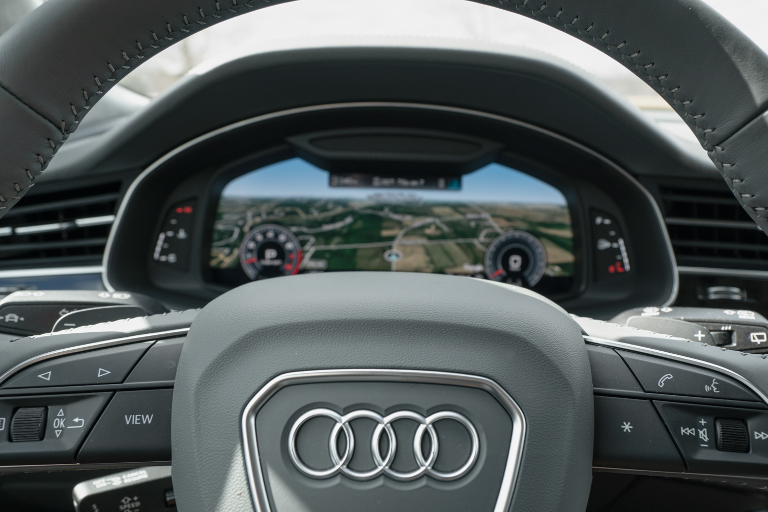 2020 Audi Q8 steering and gauges