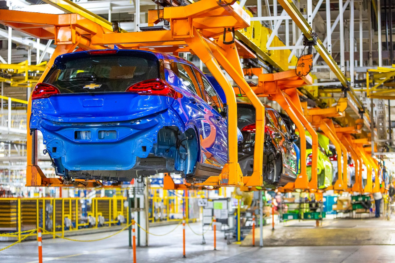 GM will invest $300M in Orion plant, announces second EV to join Bolt thumbnail
